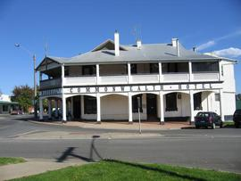 Commonwealth Hotel - Accommodation Broome