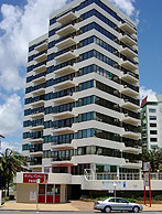 Beachfront Towers - Accommodation Broome