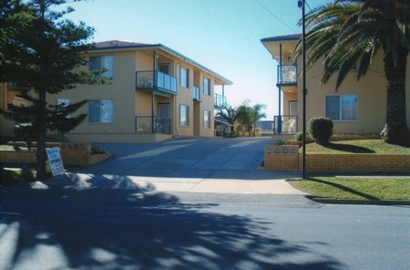 AA Madalena Court Holiday Apartments - Accommodation Broome