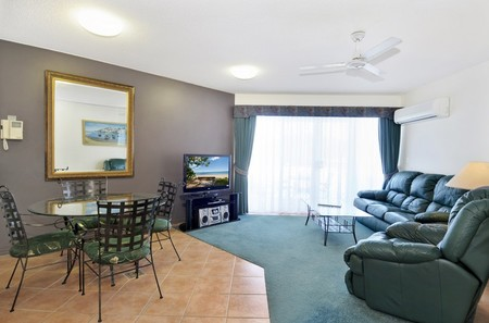 White Crest Luxury Apartments - Accommodation Broome