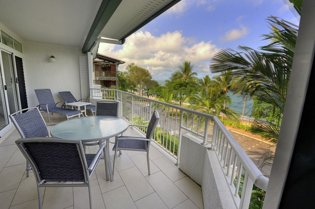 Costa Royale Beachfront Apartments - Accommodation Broome
