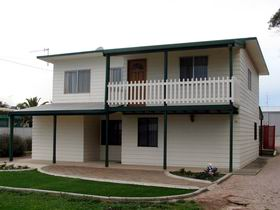 Louth Bay Holiday Apartment - Accommodation Broome