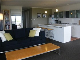 Coorong Waterfront Retreat - Accommodation Broome