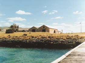 Mt Dutton Bay Woolshed Hostel - Accommodation Broome