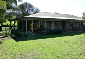 The Beach House - Normanville - Accommodation Broome
