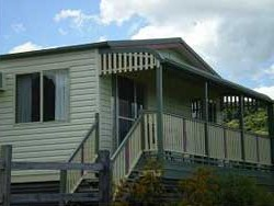 Halls Country Cottages - Accommodation Broome