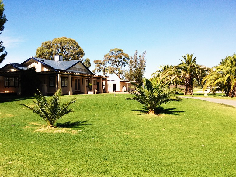 Curlwaa Caravan Park - Accommodation Broome