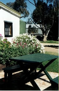 Dunalan Host Farm Cottage - Accommodation Broome