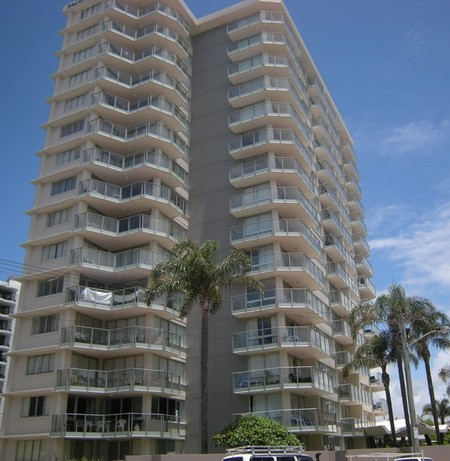 Pacific Regis Beachfront Apartments - Accommodation Broome
