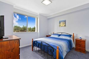 Lakeside Waterfront Apartment 18 - Accommodation Broome
