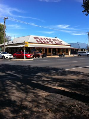 Royal Hotel Narromine - Accommodation Broome
