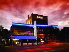 Chalk Hotel - Accommodation Broome