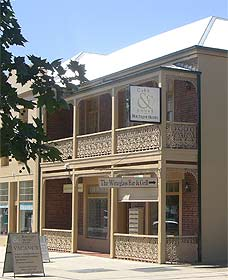 Cobb  Co Court Boutique Hotel - Accommodation Broome