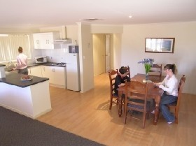 Copper Cove Holiday Villas - Accommodation Broome
