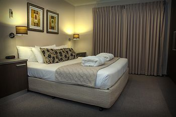 Eltham Gateway Hotel - Accommodation Broome