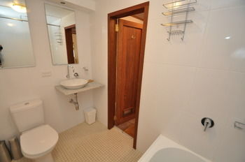 Camperdown 21 Brigs Furnished Apartment - Accommodation Broome