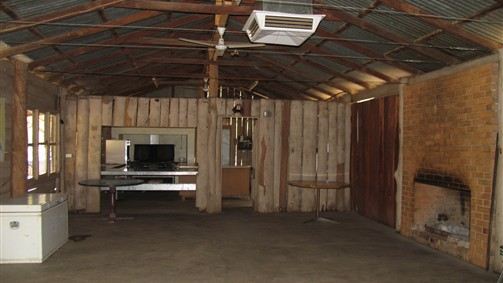 TreeTops Log Cabin - Accommodation Broome