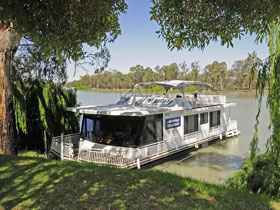 Boats and Bedzzz - The Murray Dream self-contained moored Houseboat - Accommodation Broome