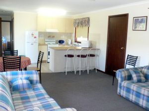 Back O' Bourke Accommodation - Accommodation Broome