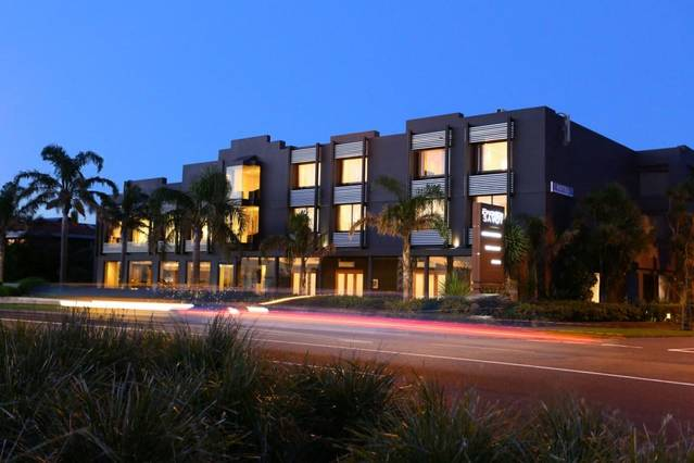The Brighton Savoy Hotel - Accommodation Broome