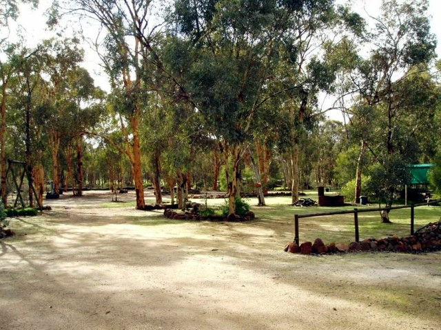 Toodyay Holiday Park  Chalets - Accommodation Broome