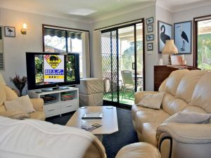 WOMBATS BB - Apartments - AAA 3.5 rated Gosford - Accommodation Broome