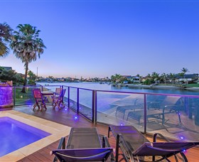 Kurrawa Cove at Vogue Holiday Homes - Accommodation Broome