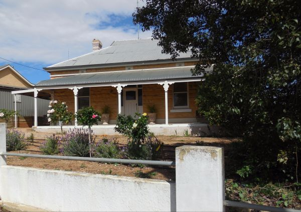 Book Keepers Cottage Waikerie - Accommodation Broome