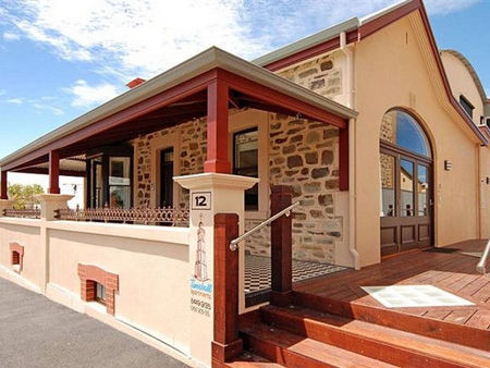 Timeball Apartments - Accommodation Broome