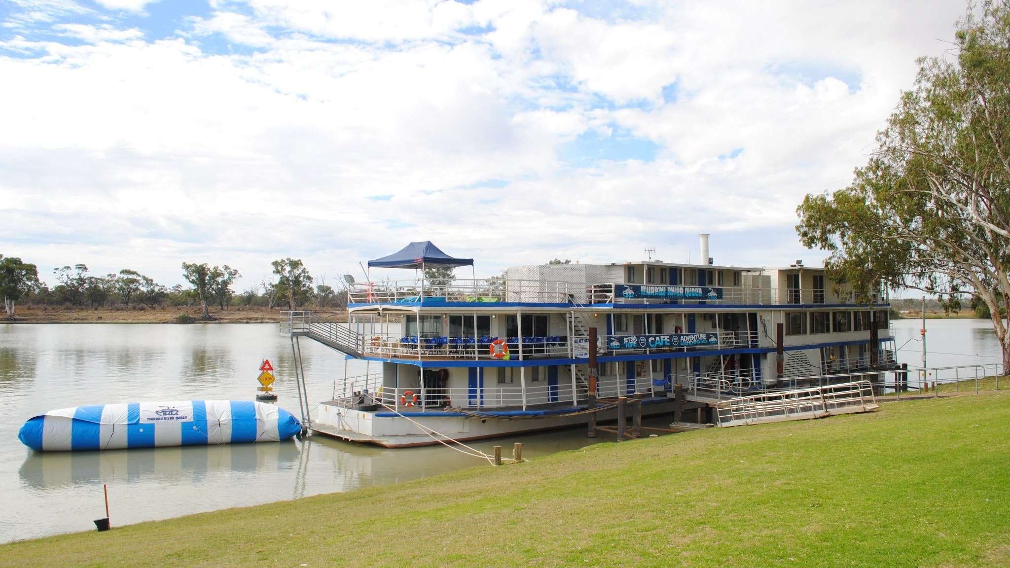 Murray River Queen Backpackers - Accommodation Broome