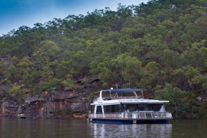 Able Hawkesbury River Houseboats - Kayaks and Dayboats - Accommodation Broome