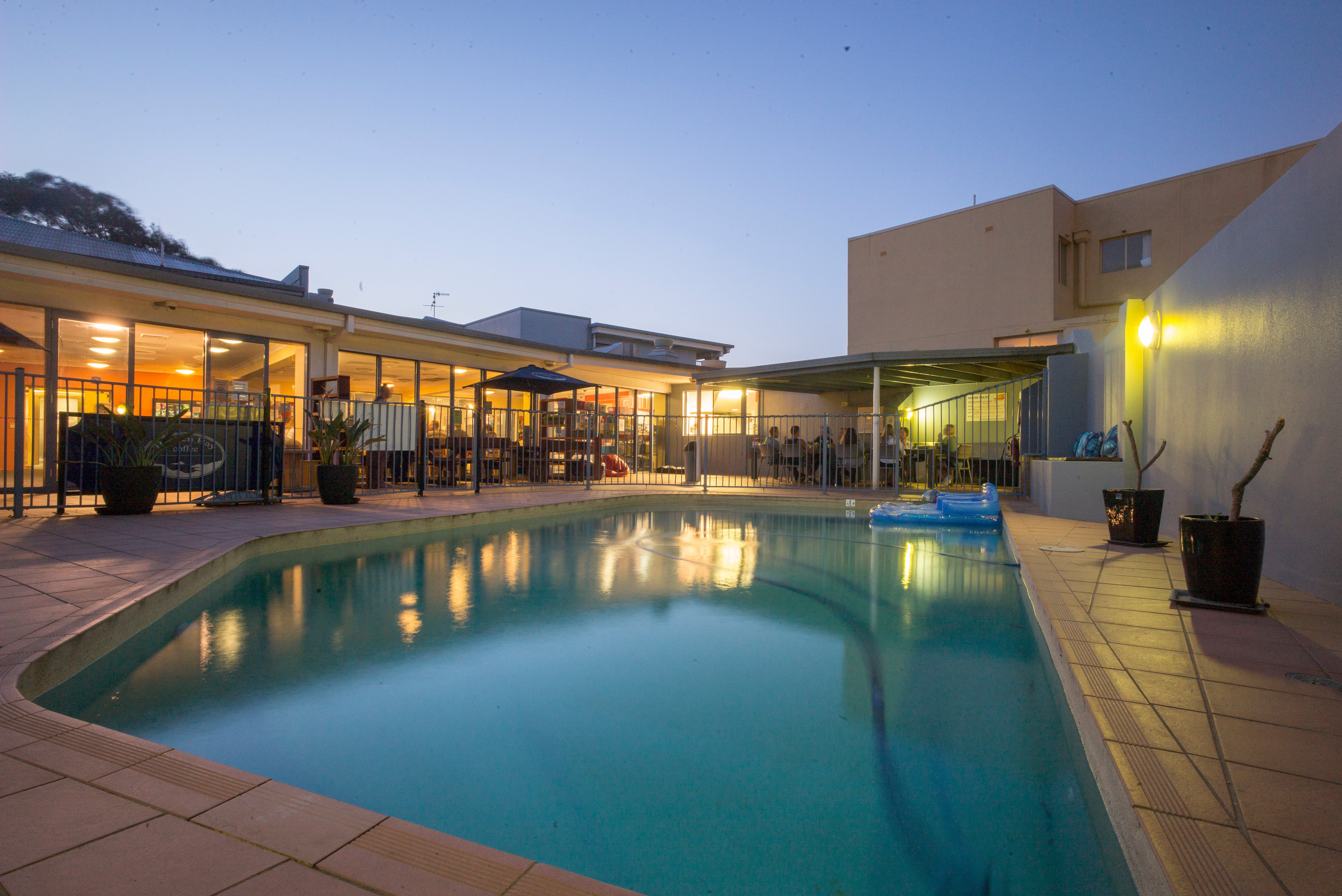 Sydney Beachouse YHA - Collaroy - Accommodation Broome