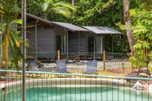Safari Lodge - Accommodation Broome