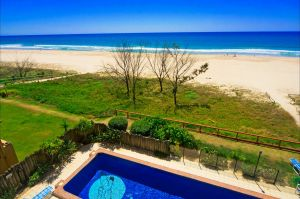 Pelican Sands Beach Resort - Accommodation Broome