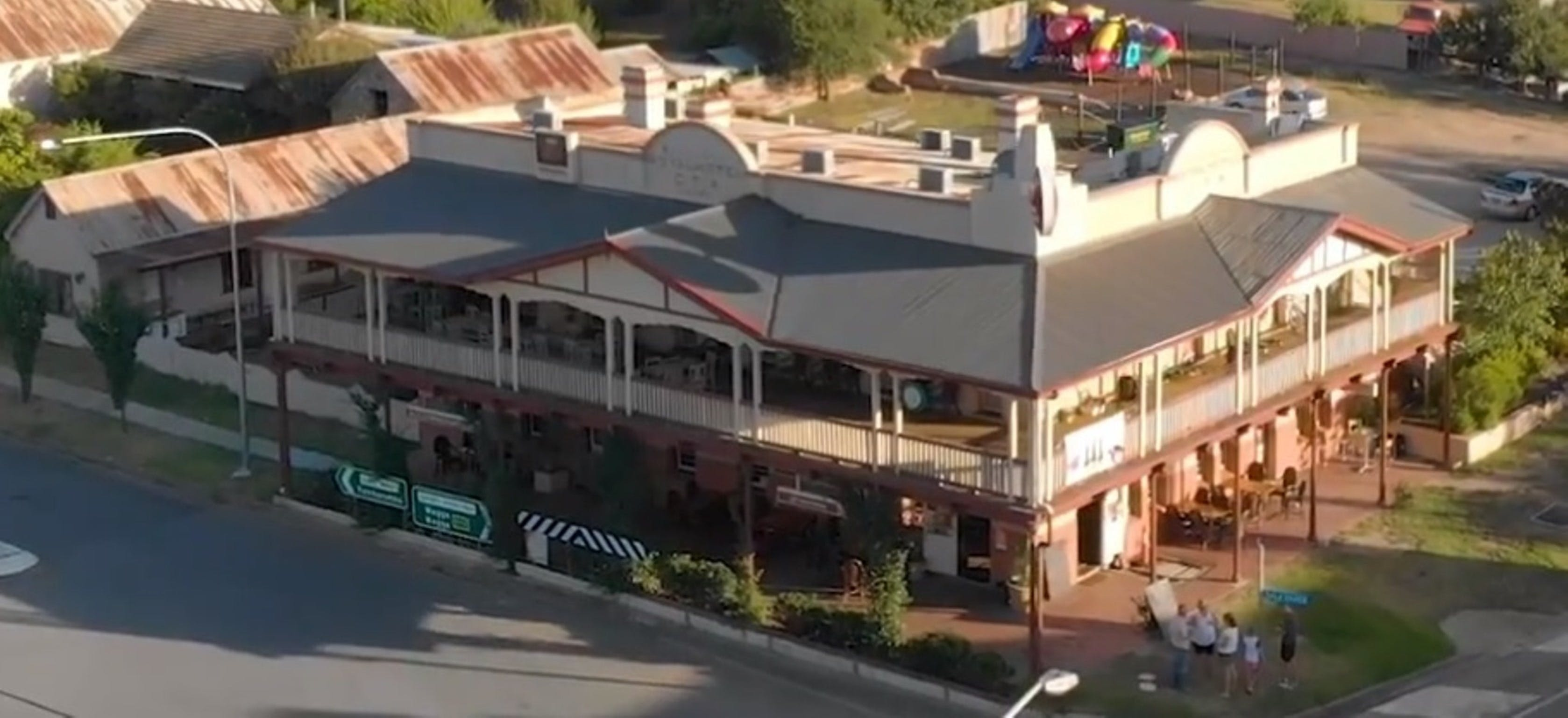 Royal Hotel Adelong - Accommodation Broome
