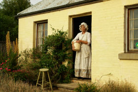 Grannie Rhodes' Cottage - Turn The Key Of Time - Accommodation Broome