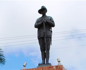 Charters Towers Memorial Cenotaph - Accommodation Broome