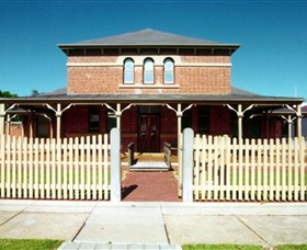 Wentworth Courthouse - Accommodation Broome