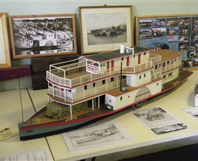 Wentworth Model Paddlesteamer Display - Accommodation Broome
