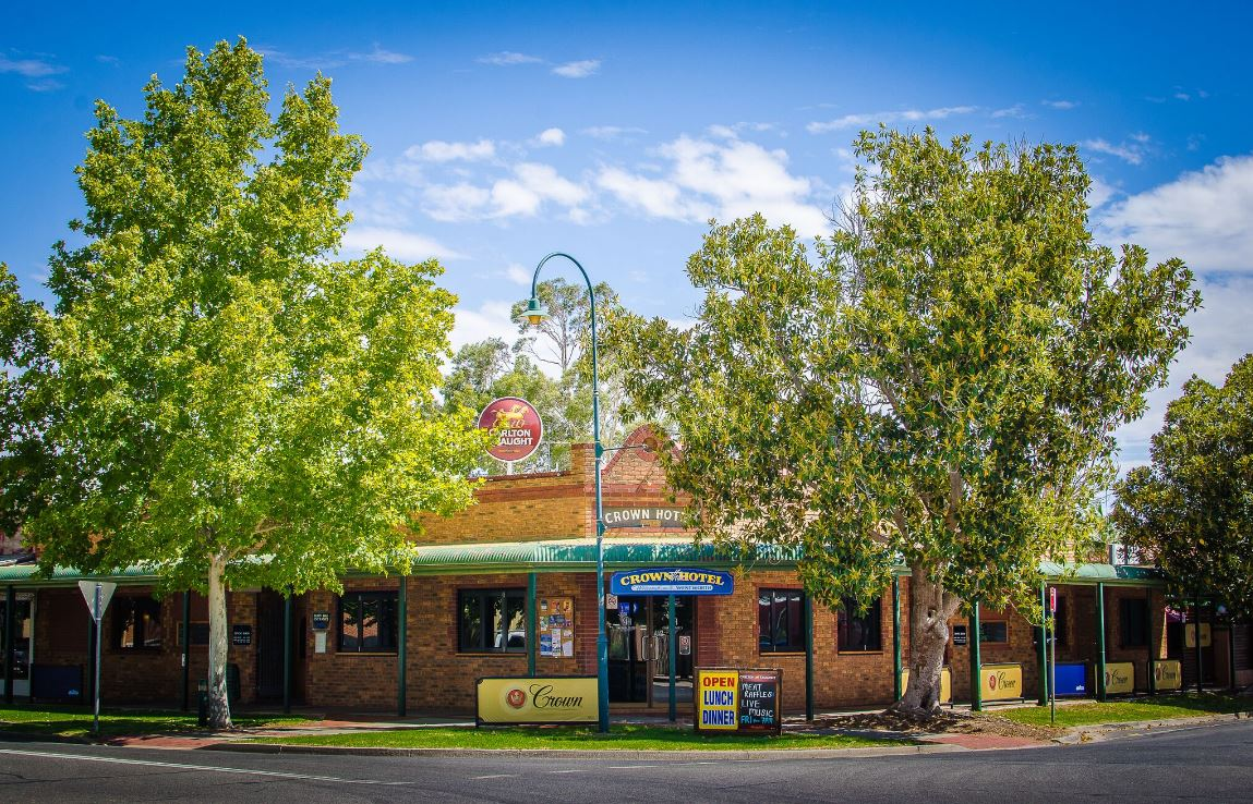 Crown Hotel Wentworth - Accommodation Broome