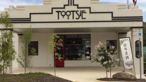 Tootsie Fine Art and Design - Accommodation Broome