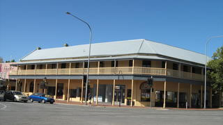 Colac Hotel - Accommodation Broome