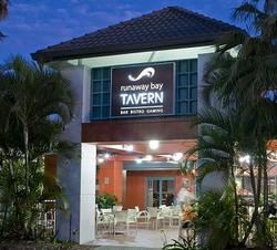 Runaway Bay Tavern - Accommodation Broome