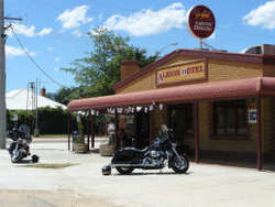 Albion Hotel Swifts Creek - Accommodation Broome