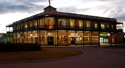 The Grand Terminus Hotel - Accommodation Broome