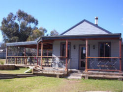 The Globe Hotel. Rylstone - Accommodation Broome