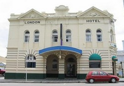 The London Hotel - Accommodation Broome