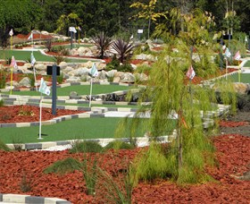 Hole Mini Golf - Club Husky - Accommodation Broome