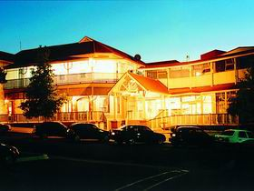 Loxton Community Hotel Motel - Accommodation Broome