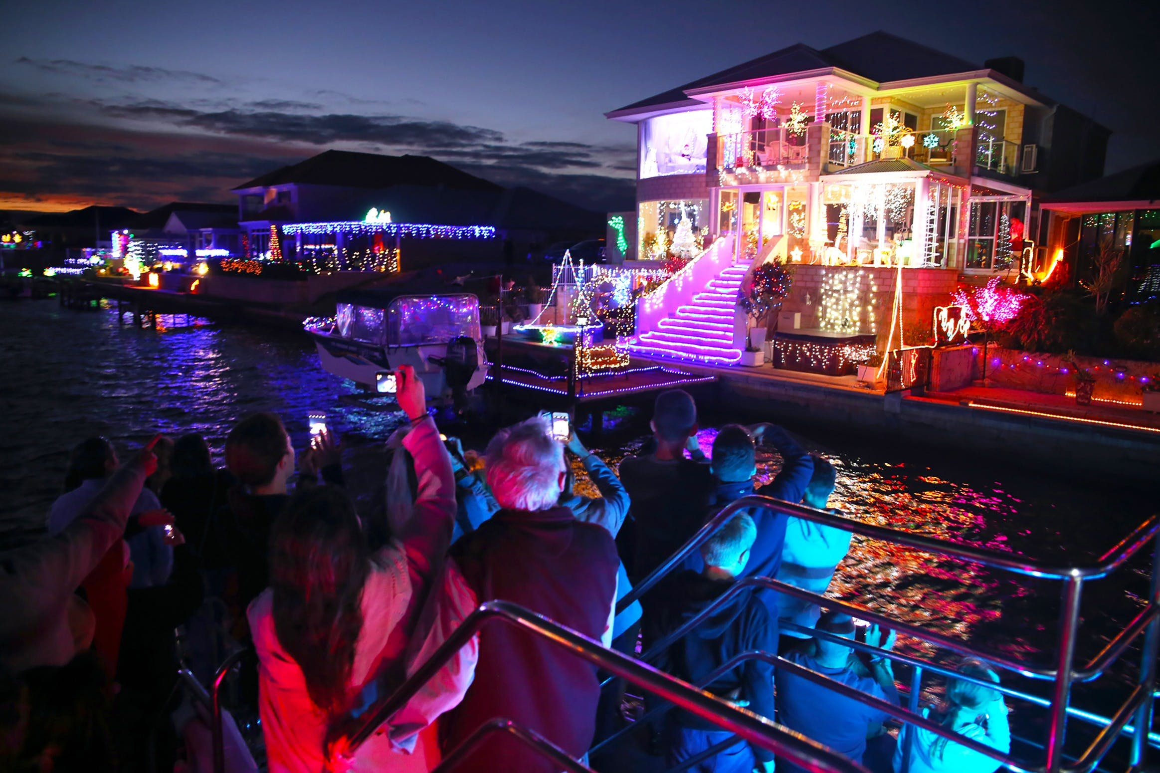 Christmas Lights Cruise - Accommodation Broome